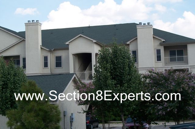 These beautiful section 8 apartments are close to lake line mall.