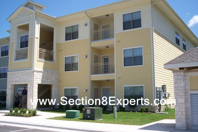 Brand NEW South Austin Apartments which take section 8